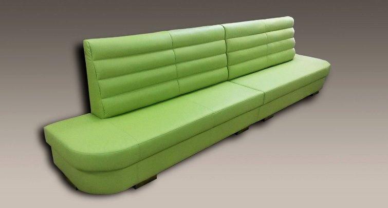nowoczesna sofa zielona - wyposażenie miejsc publicznych